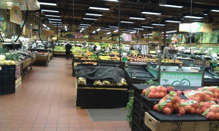 Veel biologische groenten en fruit bij de Wegmans