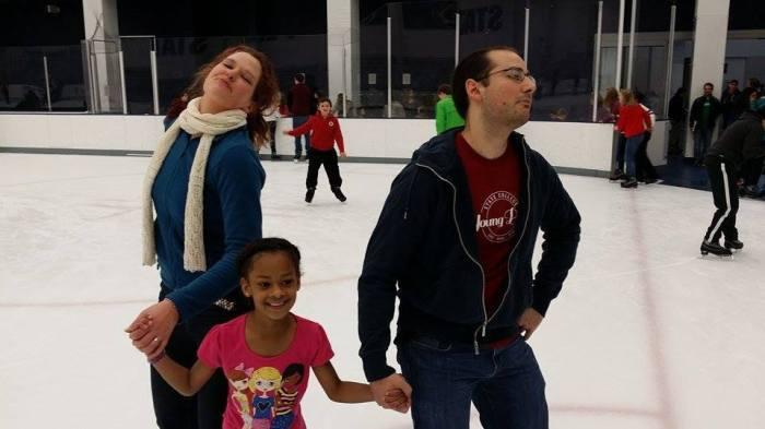 Schaatsen met SCYP - rechts Manny, in het midden mijn 'little sister' voor dat uurtje op het ijs