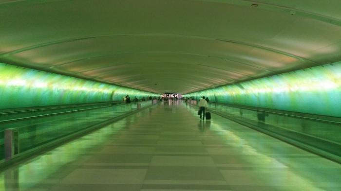 Een gang tussen de terminals op het Detroit vliegveld. Die ken ik zo onderhand wel...