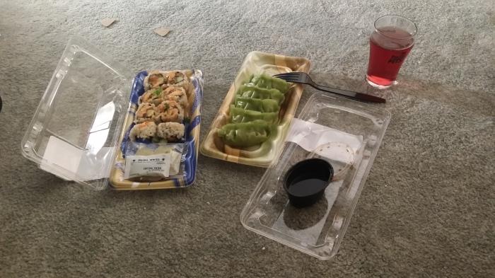 Sushi en gyoza van Wegmans