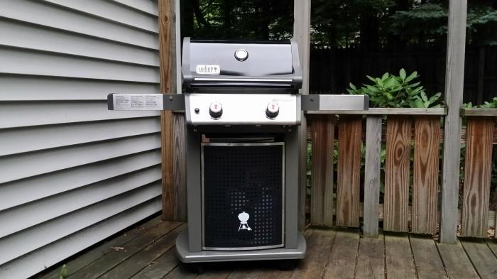De barbecue, in elkaar gezet!