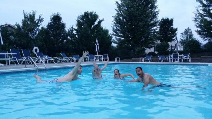 Zwemmen bij Chris, lekker!!