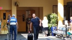 Michiel komt aan op het vliegveld van State College!