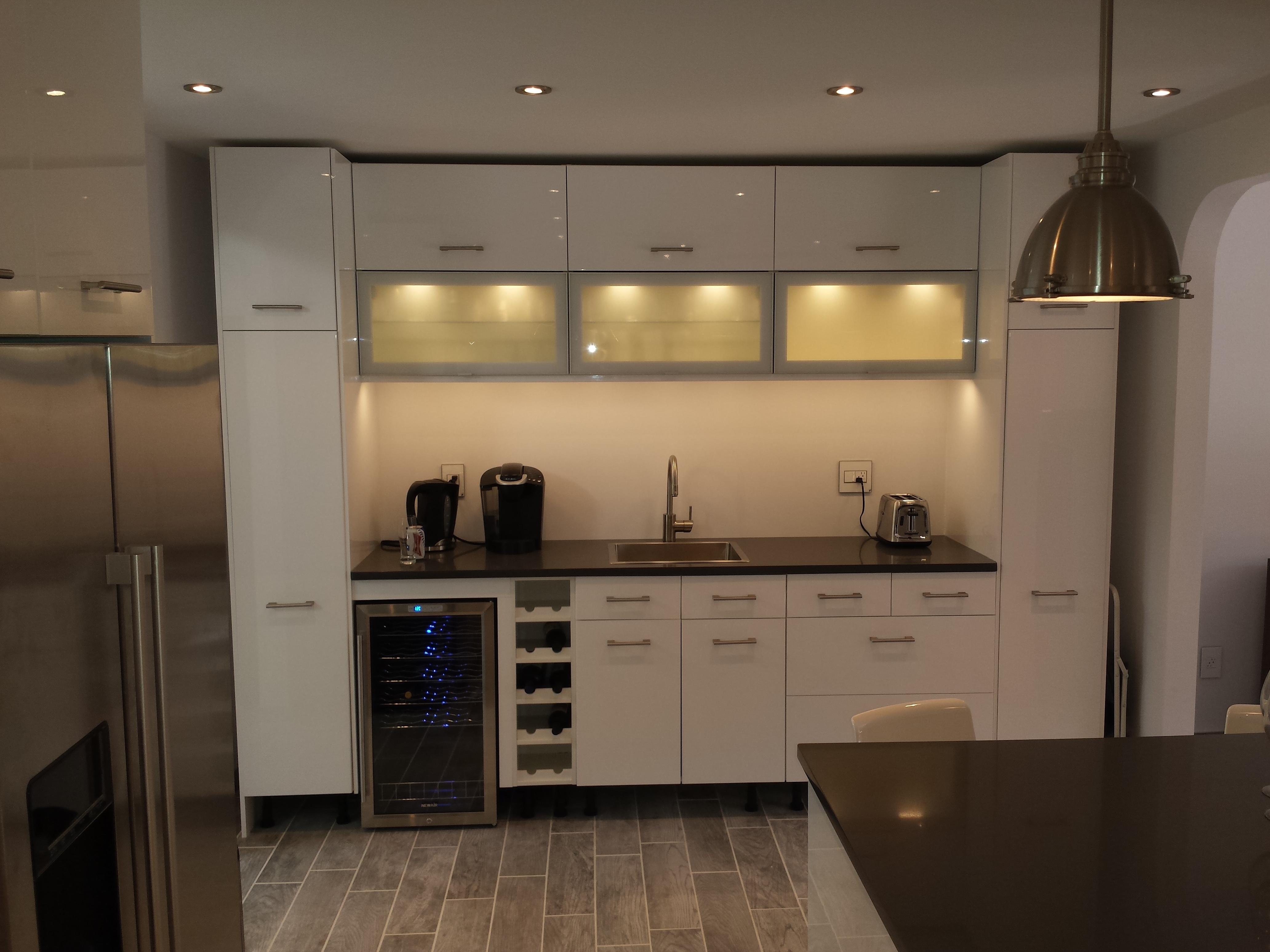 Servies keukenkast idee - Hoe dicht een open keuken ...
