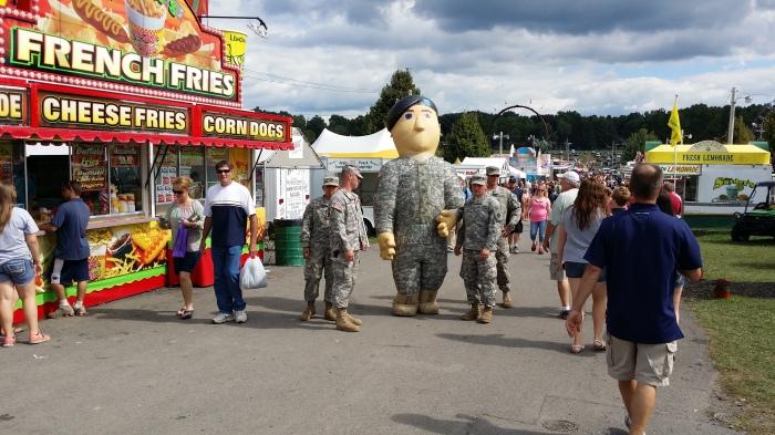 Met natuurlijk ook een recruitment team van het Amerikaanse leger