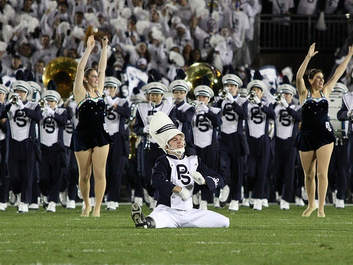De drum major van de Penn State Blue Band