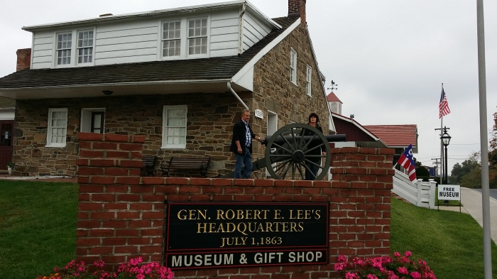 Pa en ma voor het huisje dat de zuidelijke generaal Lee tijdelijk had ingenomen