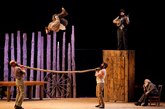 De circusvoorstelling 'Timber'