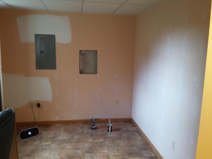 Planken weggehaald, muren hersteld...