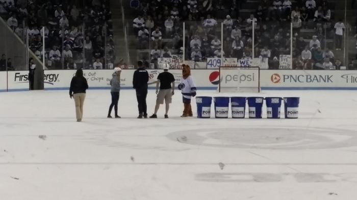 Tonnen stapelen op het ijs
