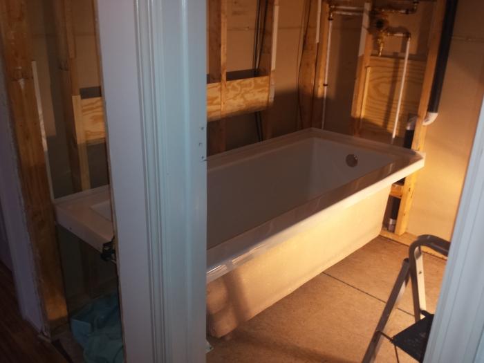 Het bad staat op z'n plek!