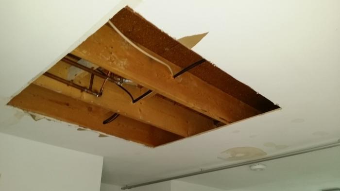Het gat in het plafond is nu vierkant