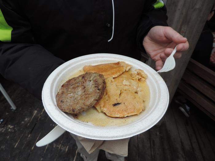Uiteraard met een hamburger (?!) en met maple syrup