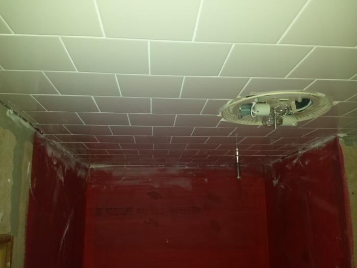 Gevoegd plafond. Netjes!