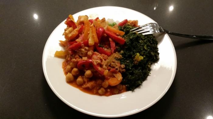 Zelfgemaakt Indiaas eten. Heerlijk! Dat is ook deel van de voorbereiding, natuurlijk!