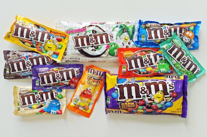 M&M's assortiment. Meer dan we in Nederland hebben... met candycorn in het midden