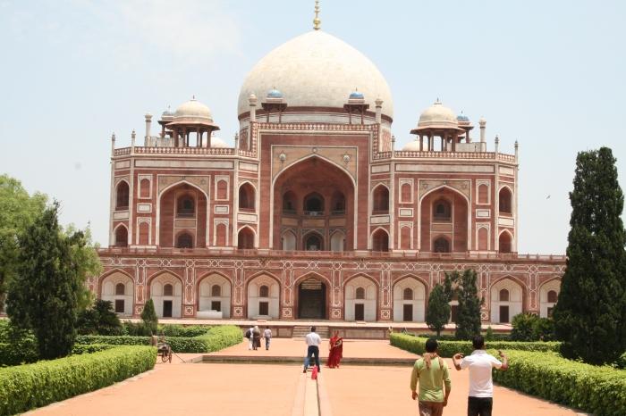 Humayun's Tombe - helemaal symmetrisch, aan alle kanten, en super indrukwekkend