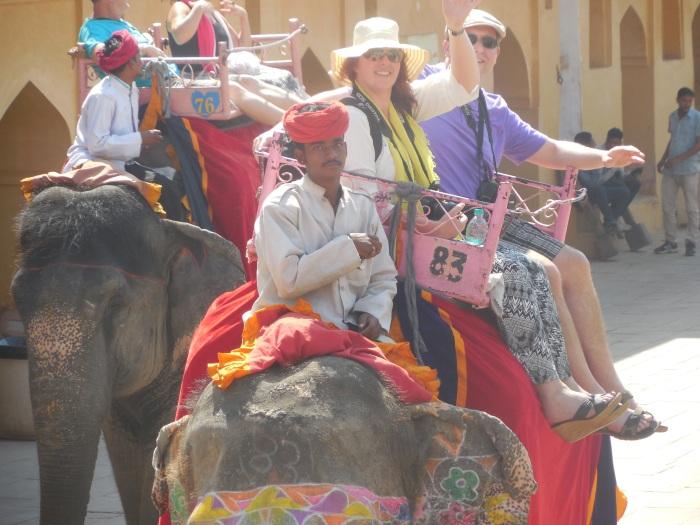 Wij op de olifant (foto van Emma)