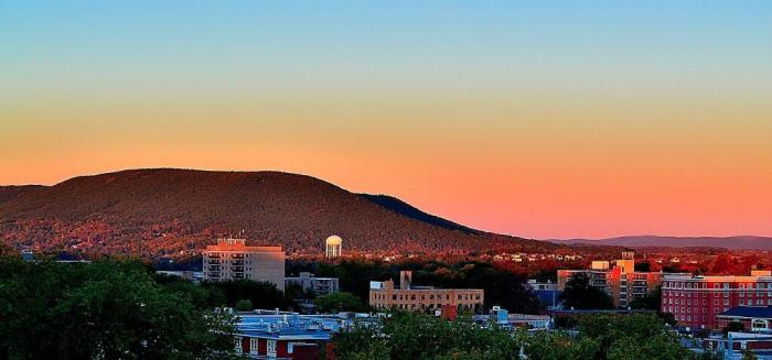 Mount Nittany gezien vanuit State College