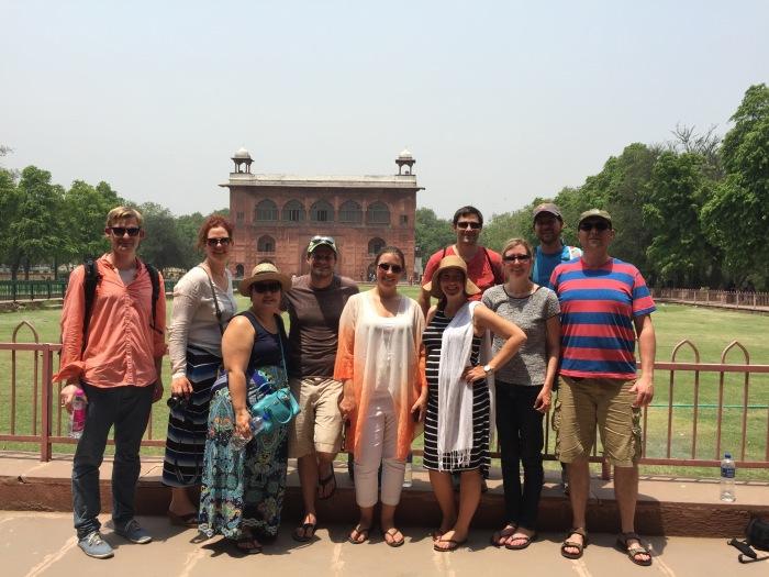 Groepsfoto voor het Red Fort