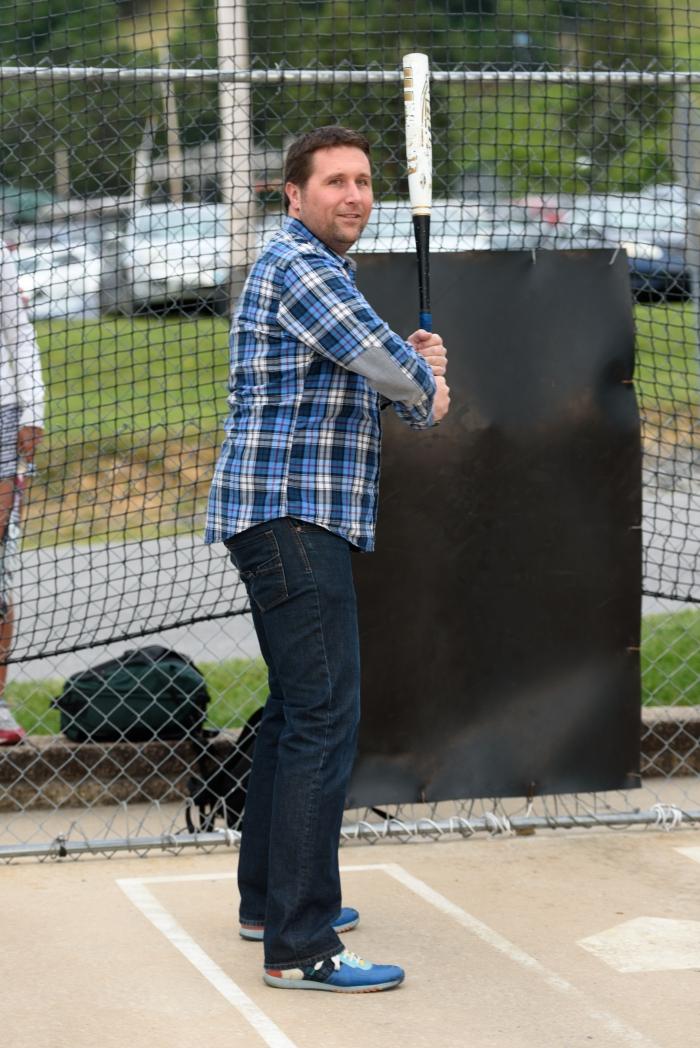 Michiel in de batting cage. Concentratie!!