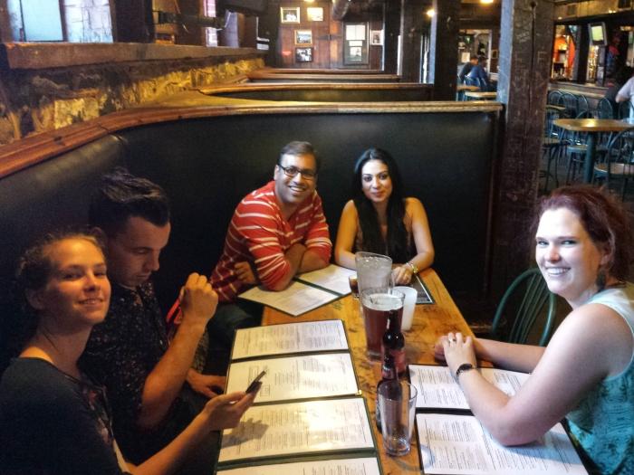 Met Hendrieke en Robin, Pranav en Priya, en ik