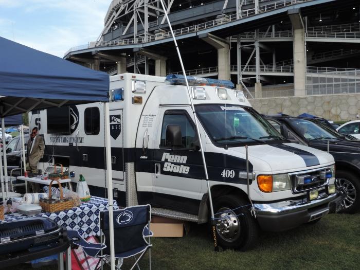 De tailgate van het bedrijf New Pig met custom ambulance