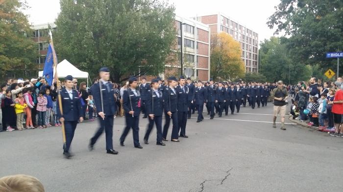Studenten die in het leger zitten doen ook altijd mee