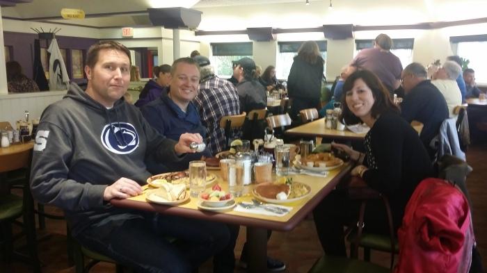 Michiel, Jelmer en Anne bij de Waffle Shop