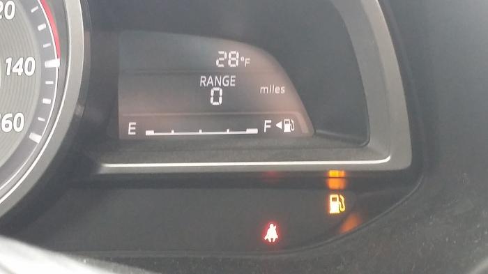 Met 'nul' mijl benzine in de tank...