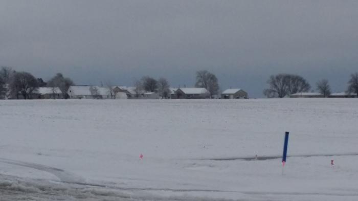 Boerenschuren in de sneeuw...