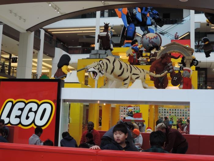 Met supergrote Legowinkel!