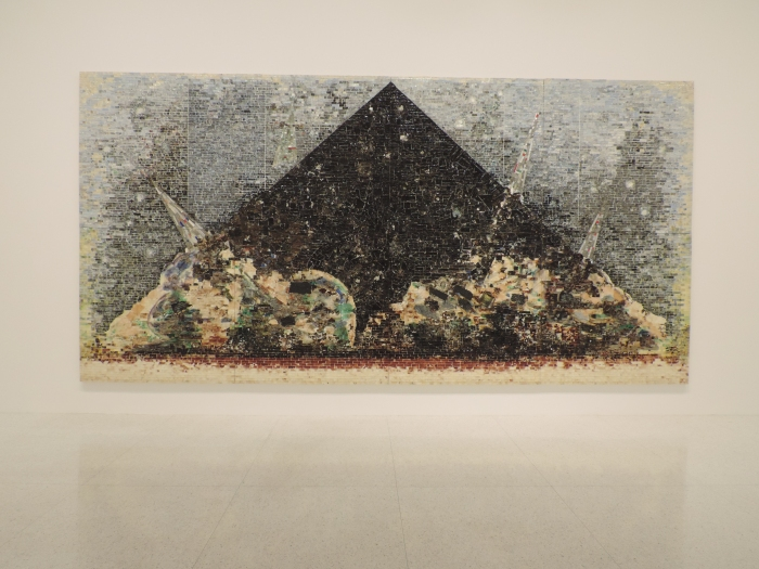 Dit schilderij is een abstracte weergave van 9-11. Duidelijk toch?