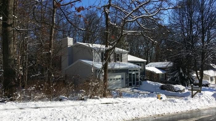 Ons huis in de sneeuw - in de stralende zon!