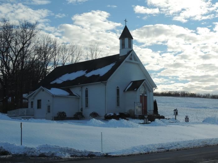 Kerkje in de sneeuw