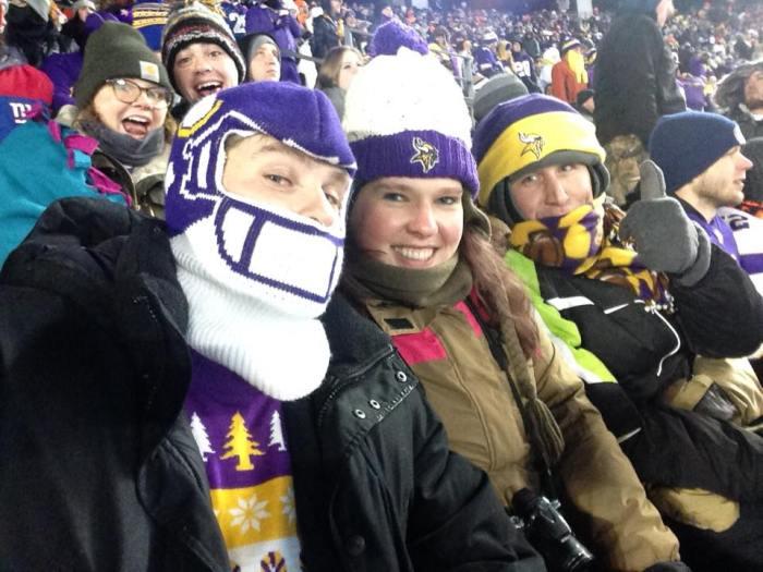 Peter, ik en Michiel ingepakt voor de Minnesota Vikings game!