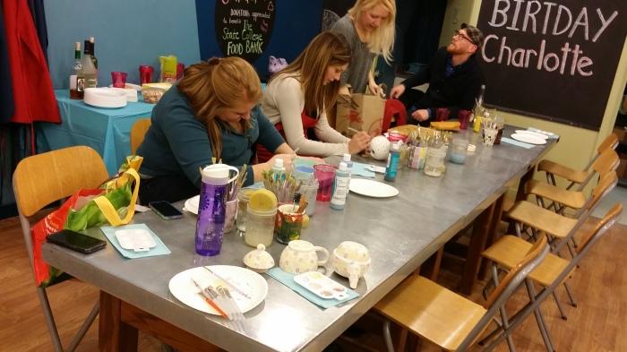 Een van de SCYP tafels (met mijn 'project' vooraan op tafel)