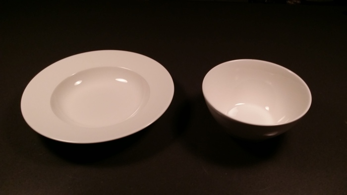 Links een soepbord, rechts een soepkom (voor de duidelijkheid!)