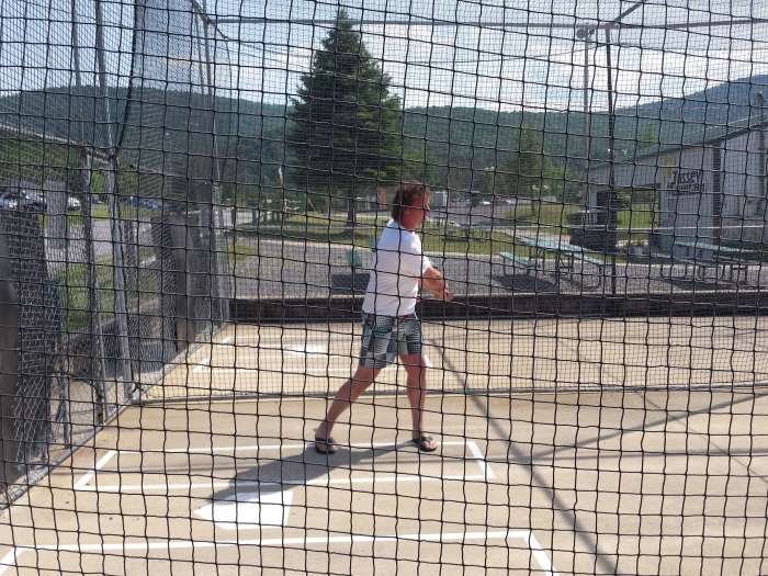 Klaas in de batting cages op Tussey Mountain