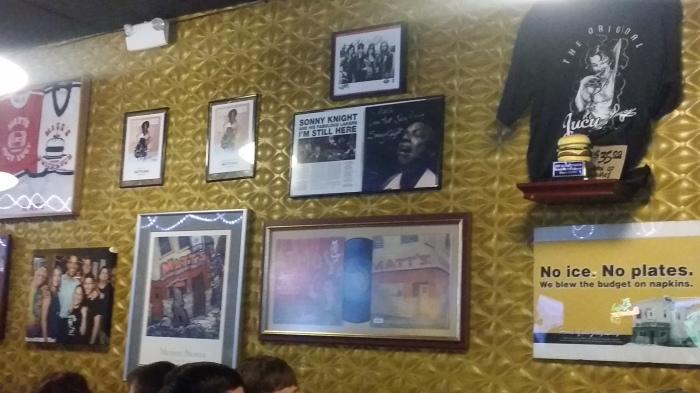 Bij Matt's. En ja, Obama is hier ook ooit geweest (zie links op de foto)