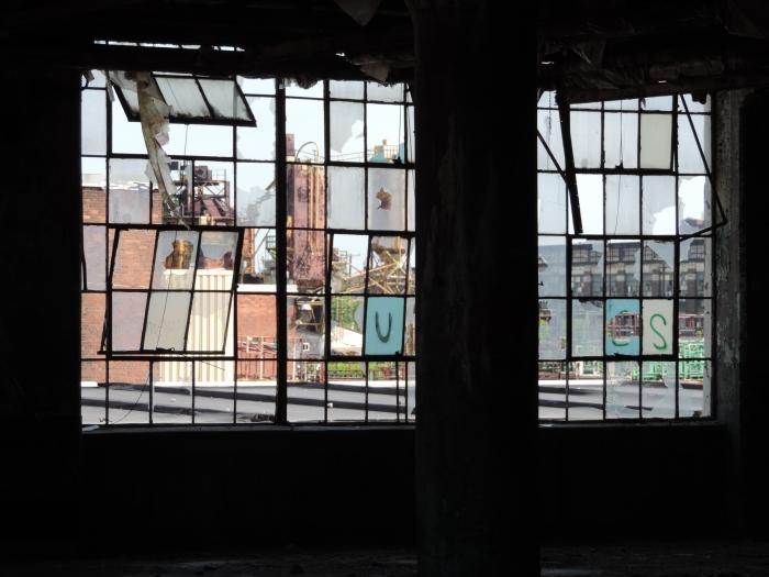En de ramen zijn ook niet meer heel