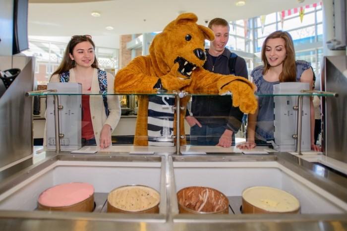 De Nittany Lion bij onze eigen Berkey Creamery