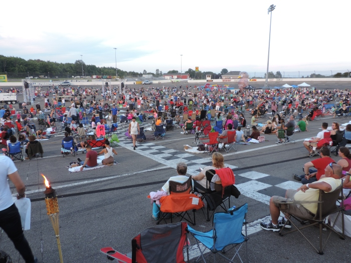 Het Lantern Fest op de Motor Speedway in Erie, PA