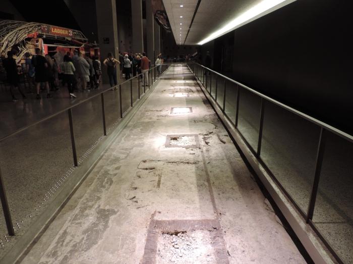 Een stuk van de originele fundering van een van de Twin Towers