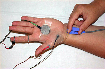 Nerve velocity test (foto van de Universiteit van Pittsburgh)
